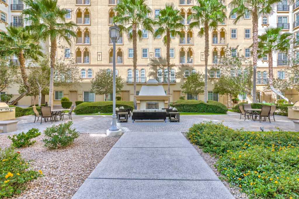 Boca-Raton-Las-Vegas-Condos-For-Sale-Building-Entrance