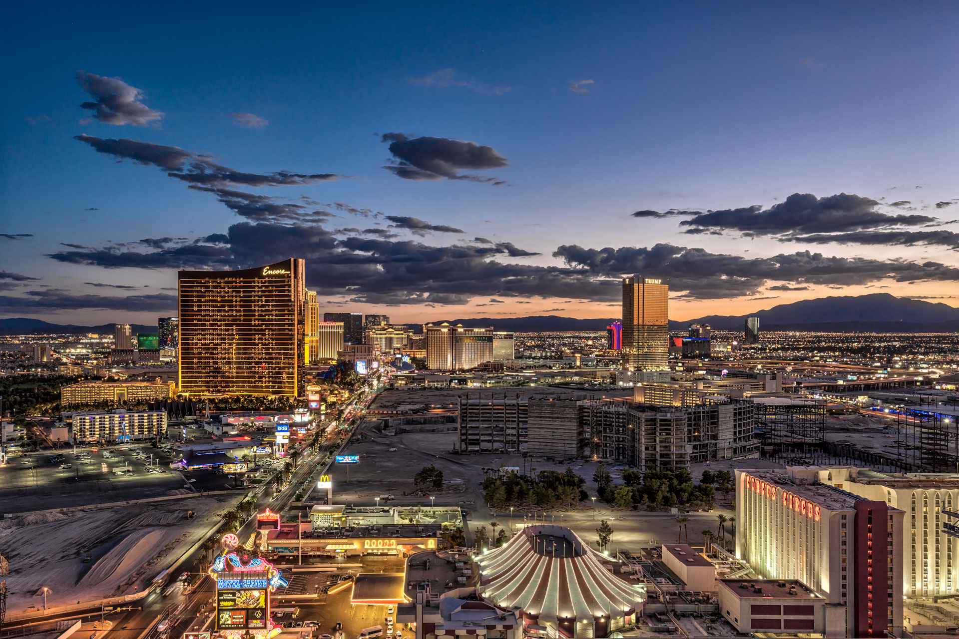Las-Vegas-Penthouses-For-Sale-Sky